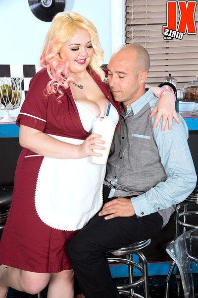 Bbw waitress suzumi wilder having an anal escapade